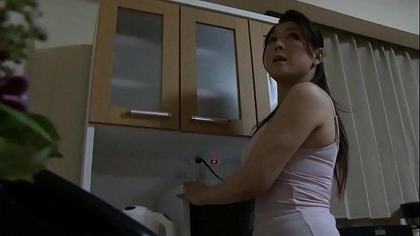 Japanska mama se kara sa mladicem